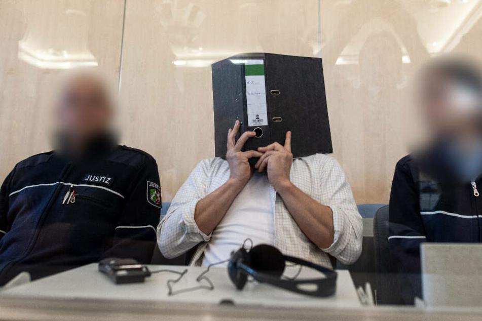 Am Freitag begann vor dem Oberlandesgericht Düsseldorf der Prozess gegen den sogenannten Rizin-Bomber.