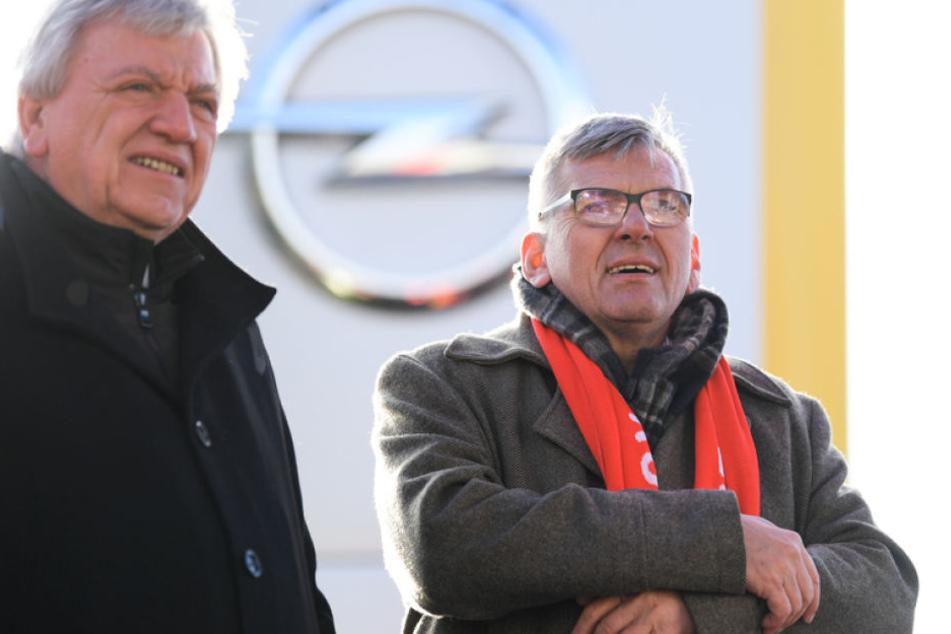 IG-Metalls Jörg Hofmann (rechts) kann auf die Rückendeckung von Hessens Premier Volker Bouffier zählen.