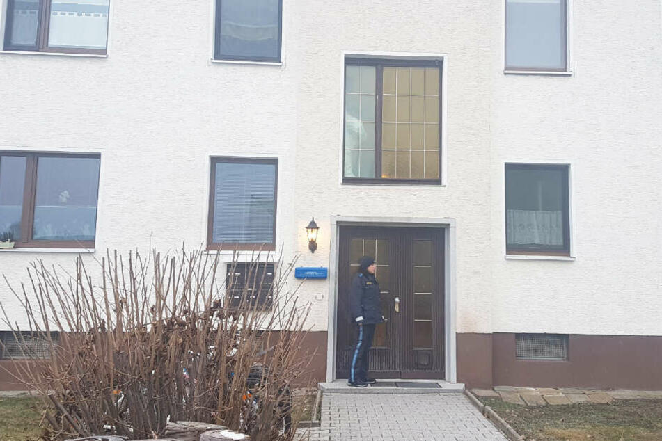 In Bayern haben Polizeibeamte in einem Haus einen schrecklichen Fund gemacht.