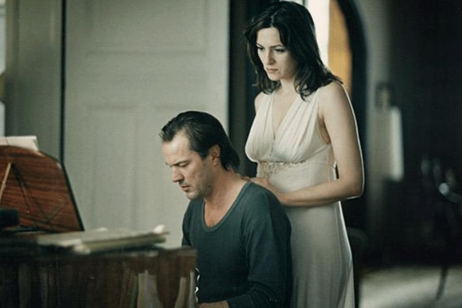 """2005 spielte Sebastian Koch im oscarprämierten Film """"Das Leben der Anderen"""" mit, hier im Foto mit Martina Gedeck."""