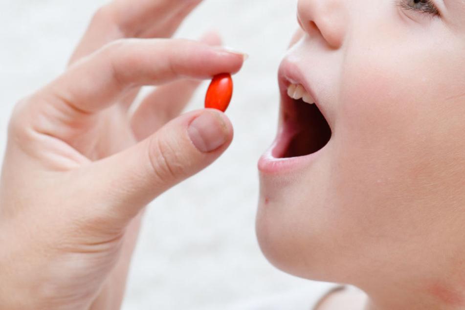 Tabletten lehnte die Mutter des heute Zehnjährigen ab. (Symbolbild)
