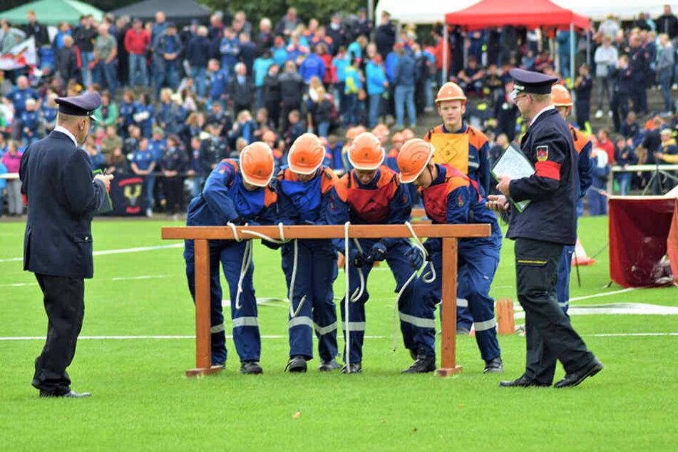 Die Kameraden der Jugendfeuerwehr Chemnitz-Siegmar belegten beim Bundeswettbewerb in Xanten den siebten Platz.Noch nie schnitt eine sächsische Jugendfeuerwehr besser ab.