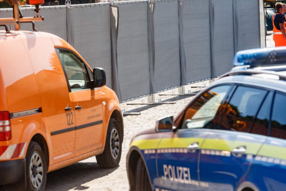 Mit solchen mobilen Sichtschutzwänden muss die Polizei heute verstärkt gegen Gaffer vorgehen.