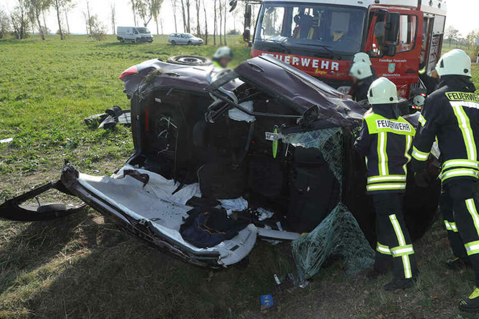 Transporter knallt in Skoda: Zwei Schwerverletzte