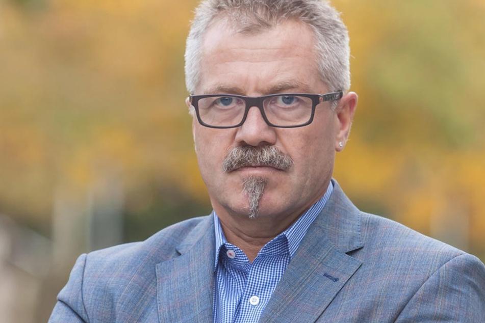 Container auf dem Weihnachtsmarkt ja, Poller nein, so Ordnungsbürgermeister Miko Runkel (56, parteilos).