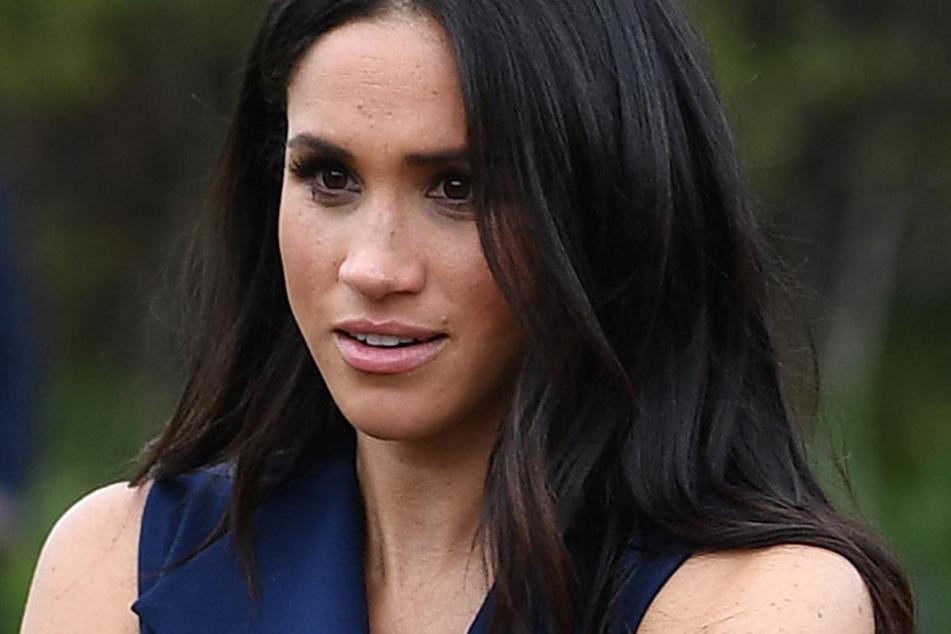 Herzogin Meghan muss sich am britischen Königshof wohl noch an einige Regeln erst gewöhnen.