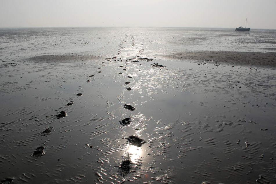 Die Polizei hatte Fußspuren im Watt gefunden. (Symbolbild)