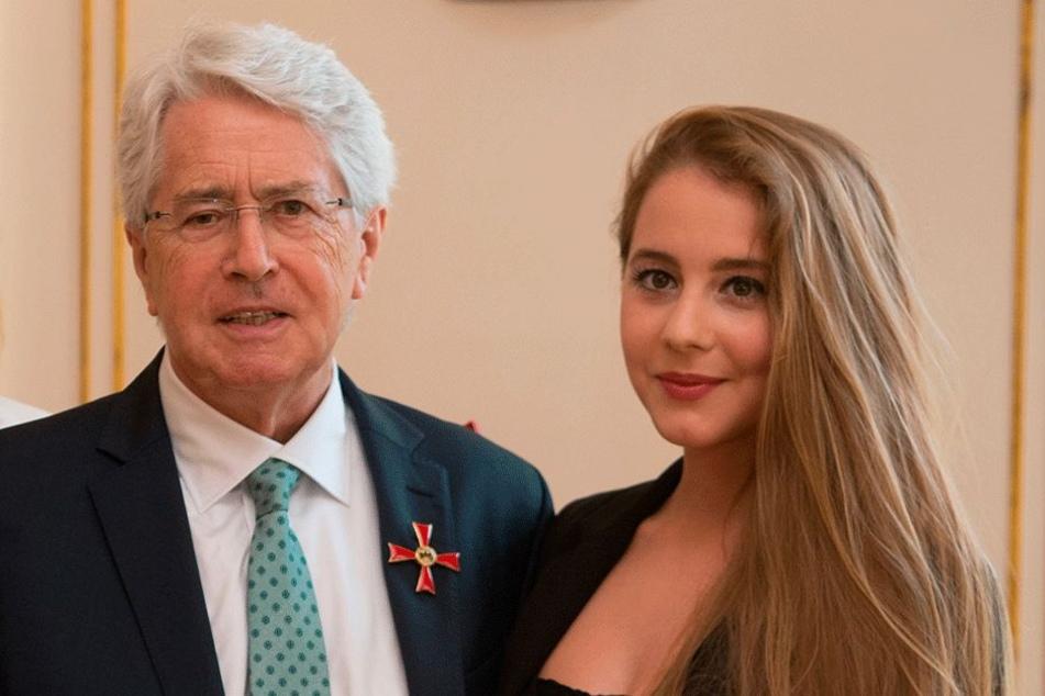 Sagten dem Opernball leider ab: Show-Legende Frank Elstner (75) und seine Tochter Enya (20).