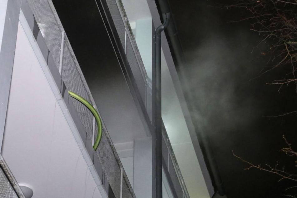 In der Küche eines Mehrfamilienhauses brannte es.