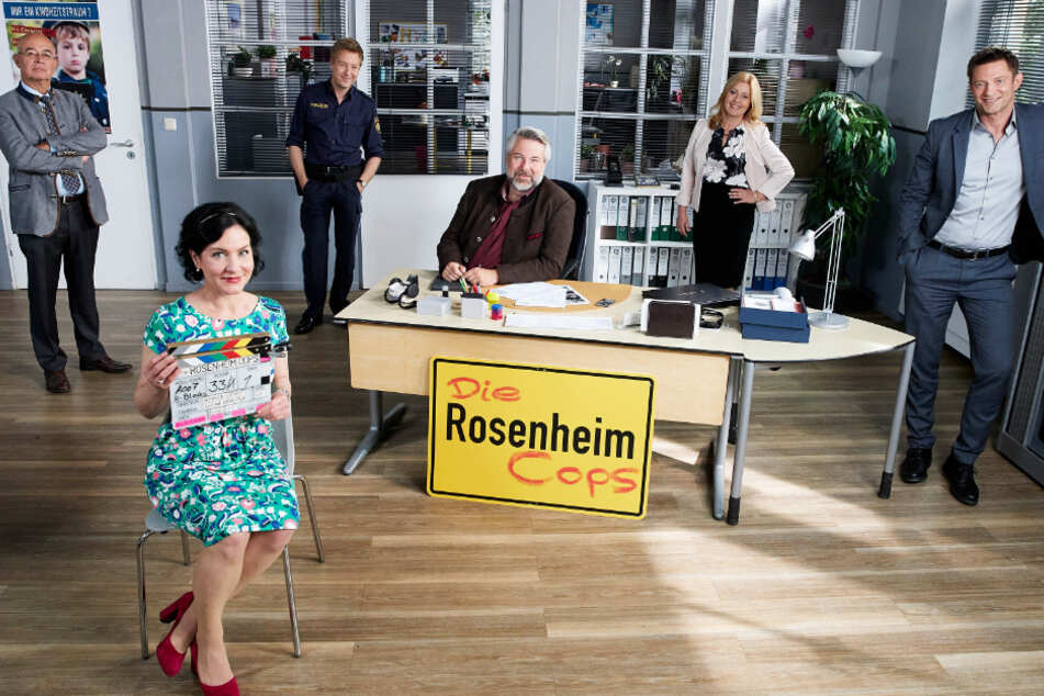 """Die erfolgreiche ZDF-Kultserie """"Rosenheim-Cops"""" meldet sich in wenigen Wochen mit neuen Folgen zurück. Mitte Oktober geht es los."""