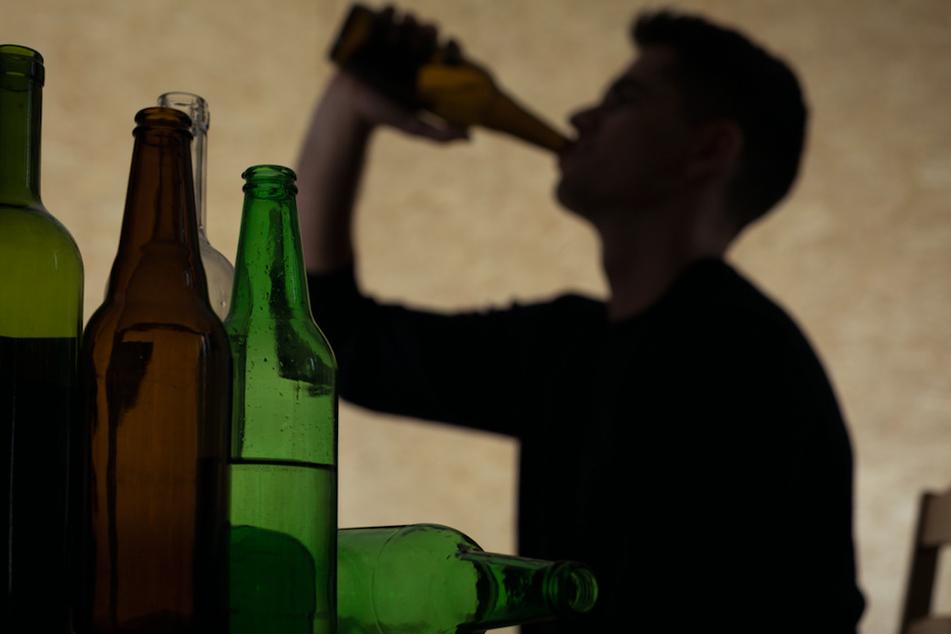 Beim Alkoholkonsum hatte es der 28-Jährige wohl etwas übertrieben. (Symbolbild)