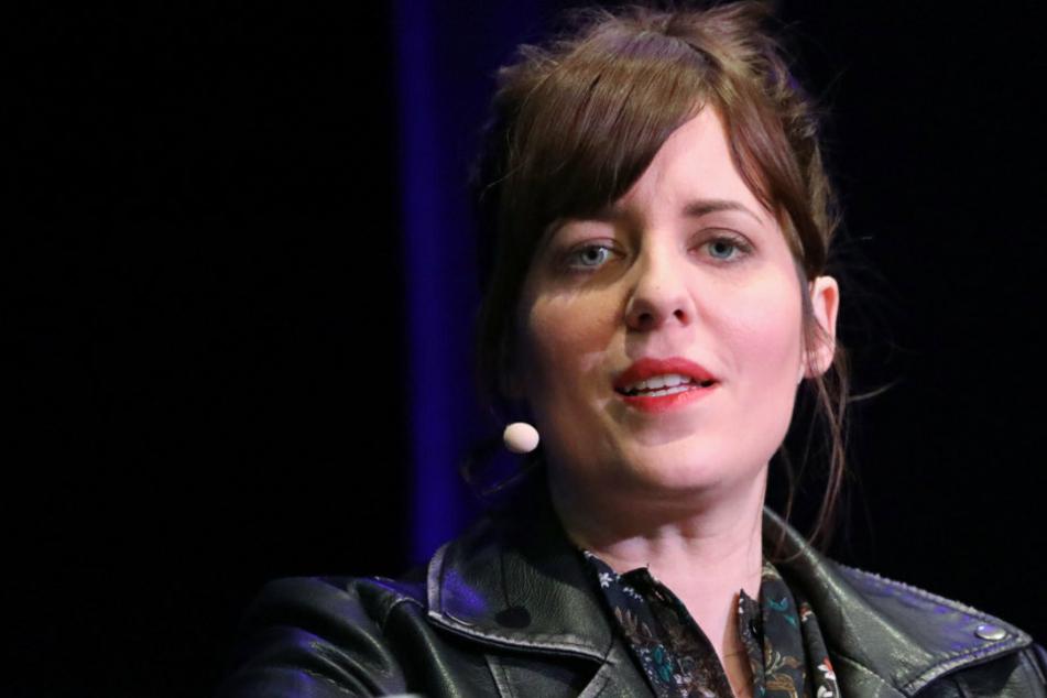 Sarah Kuttner, Fernsehmoderatorin, Autorin und Kolumnistin, spricht auf der Lit.Cologne bei einer Lesung.
