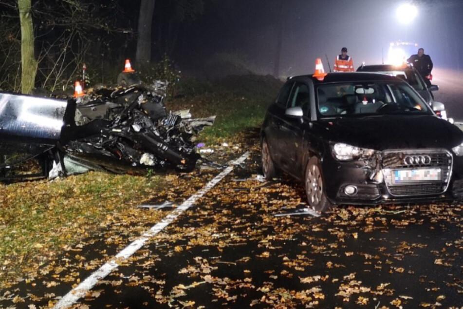 Unfall im Nebel mit mehreren Verletzten: Fahrer in Lebensgefahr