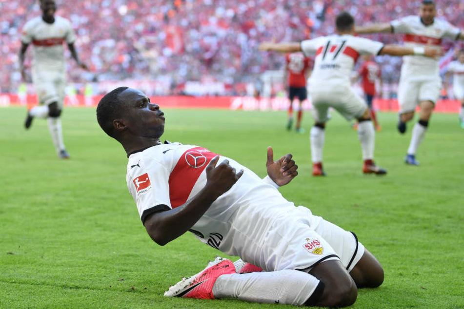 Chadrac Akolo jubelte über seinen Treffer zum 3:1 beim 4:1-Sieg des VfB bei den Bayern im Mai 2018.