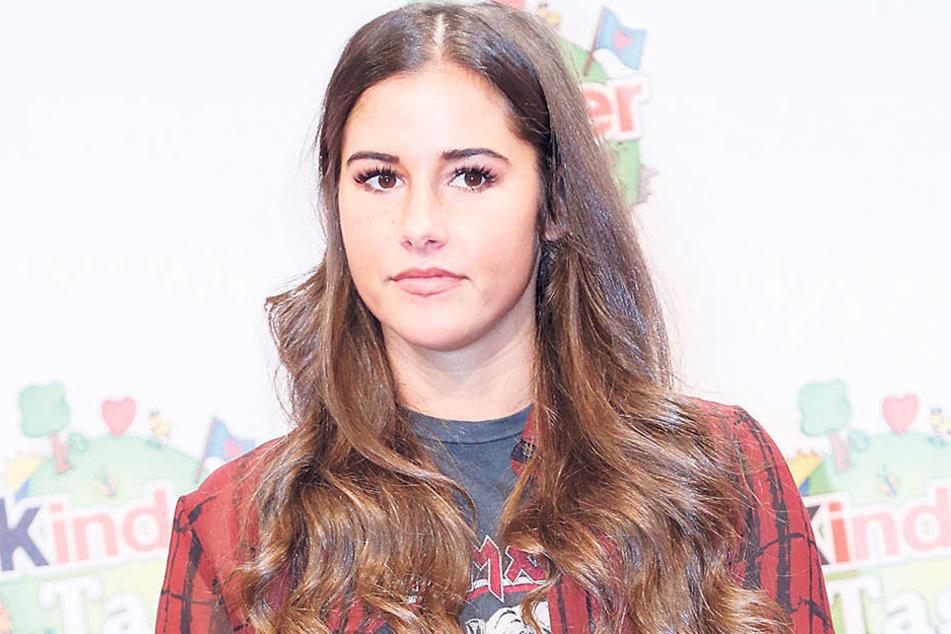 Wird Sarah Lombardi(24) heute endlich zu den fiesen Gerüchten Stellung nehmen?Immerhin: Ihren Ehering trägt sie noch.