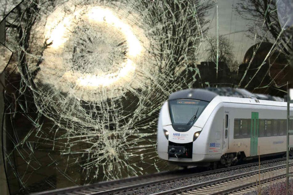 Ein Fahrzeug der Mitteldeutschen Regiobahn wurde mit einem Stein beworfen.