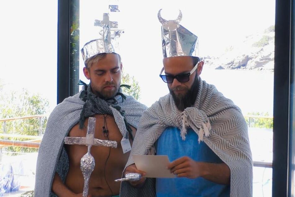 Hier noch mit Bart: König Aluhut und Prinz Pantoffel. Oggy und Andreas.