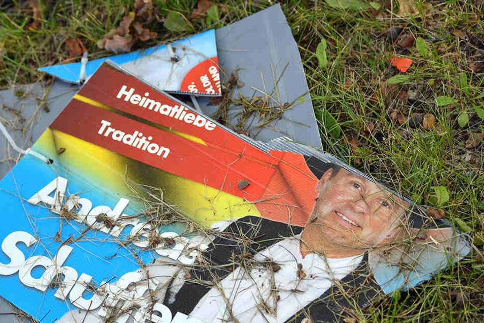 AfD-Plakate in Dresden zerstört: Polizei fasst Vandalen