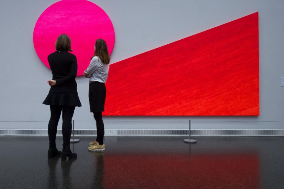 """Im Museum Gunzenhauser läuft noch bis Anfang März die Ausstellung """"Pinc kommt!"""" mit abstrakten Bildern von Rupprecht Geiger."""