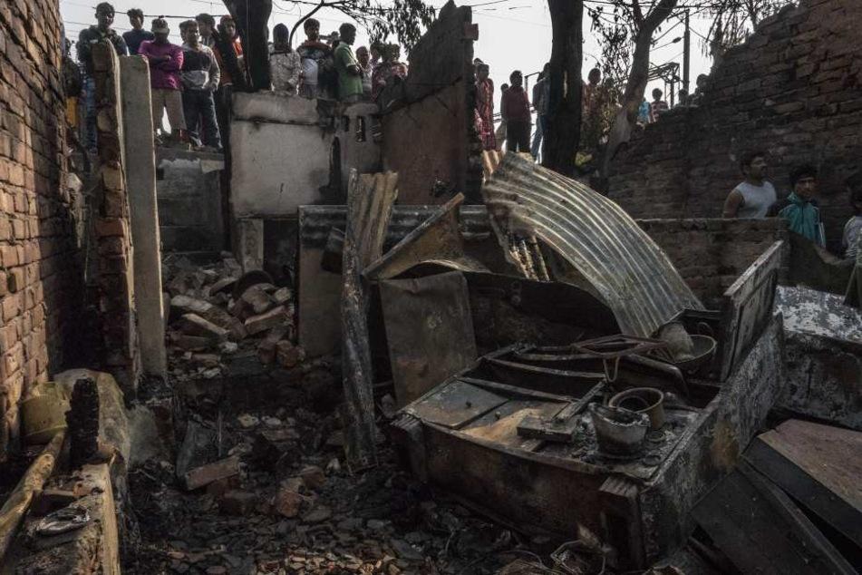 Bei dem Brand im Armenviertel in Kalkutta sind mindestens zwei Menschen getötet worden.