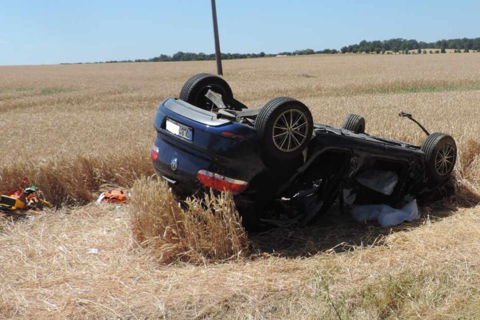 Autofahrer schert einfach aus! Fünf Schwerverletzte auf der Bundesstraße