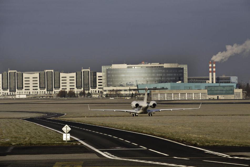 """Airport """"Vaclav Havel"""" im Steigflug: Schon jetzt macht der Prager Flughafen mit seinen 17 Millionen Passagieren pro Jahr dem Dresdner Airport mächtig Konkurrenz."""