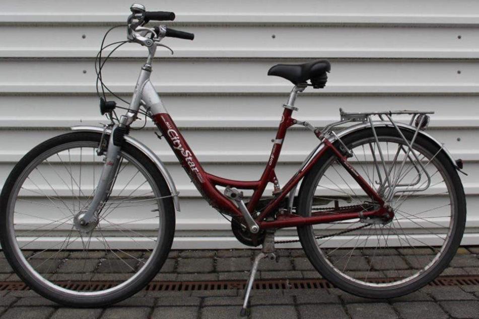 Mit diesem Fahrrad soll der Tatverdächtige zum Tatort in der Jahnstraße gefahren sein.