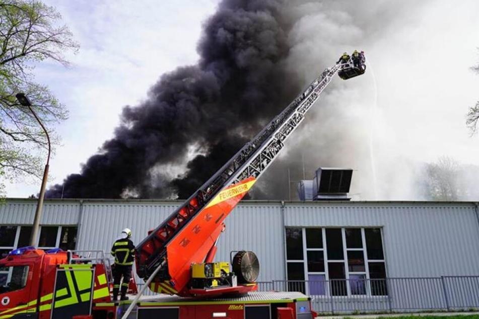 In der Firma Ertex in Rodewisch ist am Freitagmorgen ein Brand ausgebrochen.