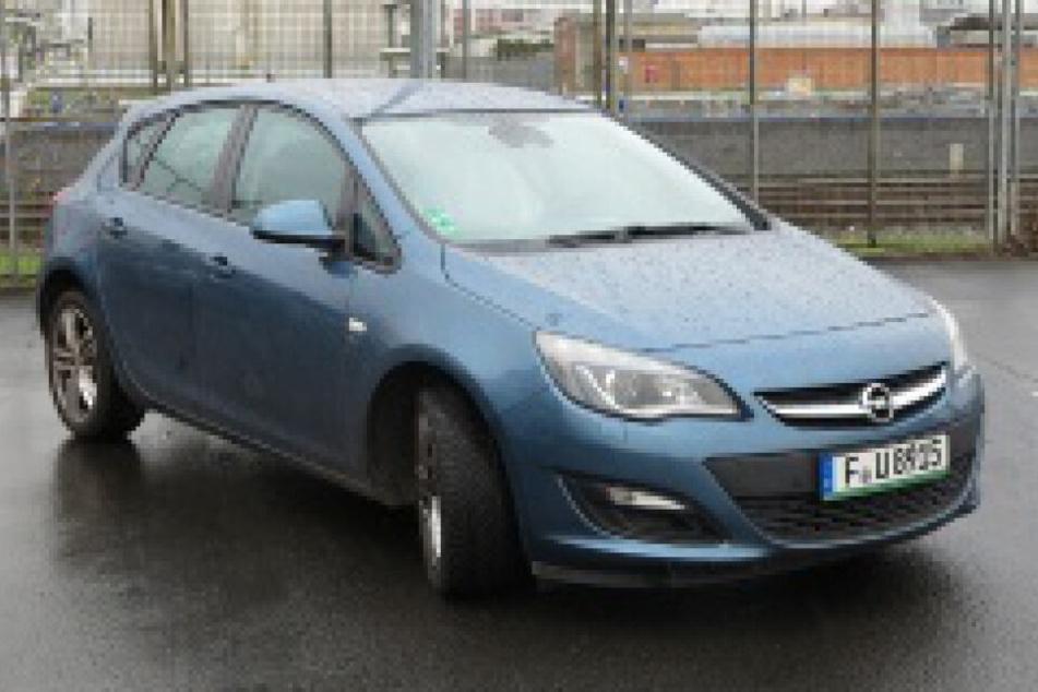 Die Polizei veröffentlichte dieses Foto eines Opel Astra.