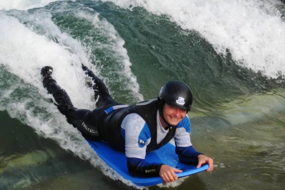 Das Bodyboarding wird durch ein stehende Welle ermöglicht. Eine Wassermenge von etwa 5 000 Liter pro Sekunde wird dafür gepumpt.
