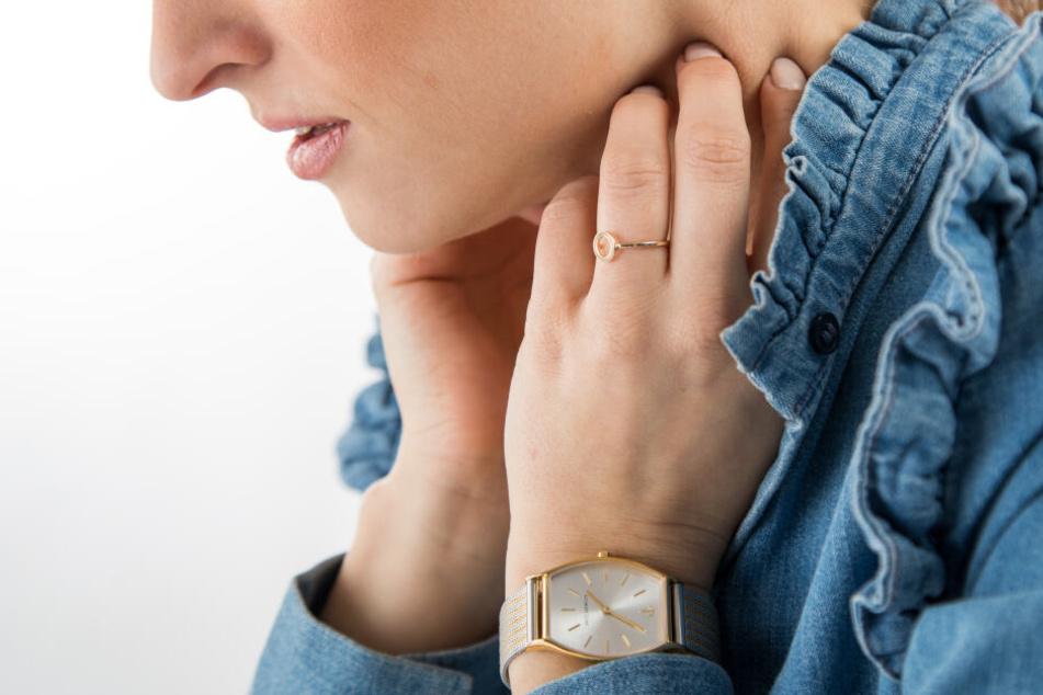 Frauen gehen der Umfrage nach häufiger zu Vorsorgeuntersuchungen, als Männer (Symbolbild)