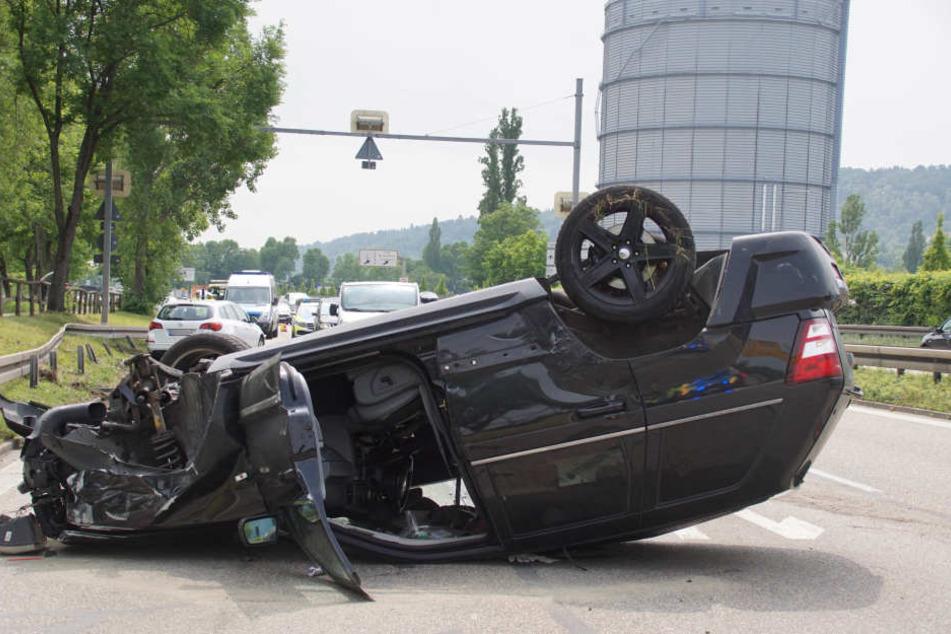 Der Jeep Grand Cherokee ist ein Totalschaden.