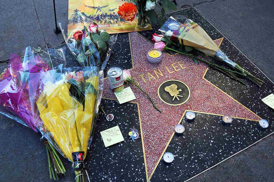Der Stern von Stan Lee ist Pilgerstätte geworden.