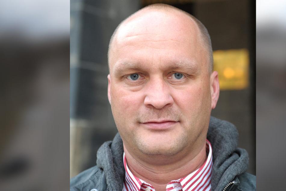 Rund 50.000 Pendler kommen täglich zum Arbeiten in die Stadt. Gordon Tillmann  (44, FDP) lehnt das Parkraumkonzept ab.