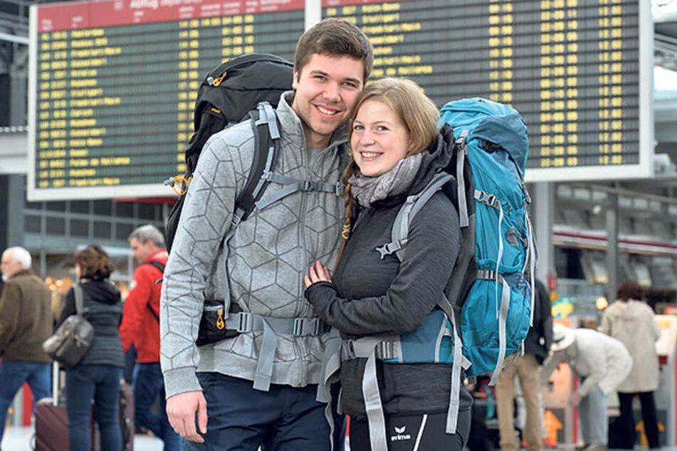 Mit dem Rucksack nach Indonesien: Justus Matschewsky (22) und Linda Kairies (21) flogen am Sonntag nach Jakarta.