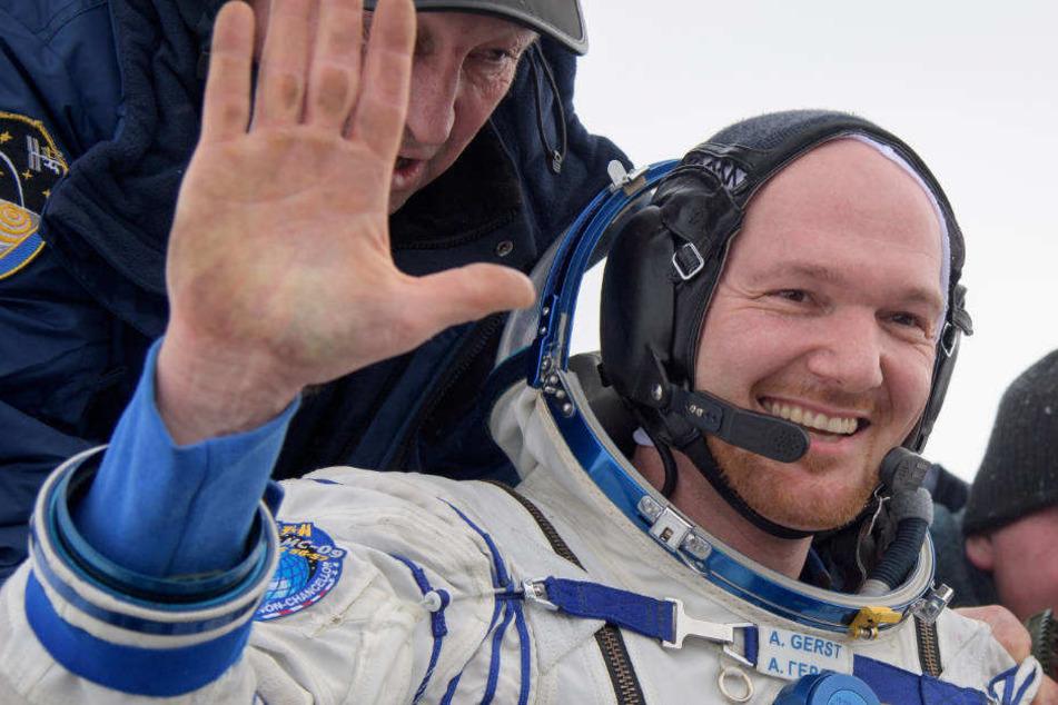 Alexander Gerst nach der Landung mit der Sojus-Kapsel.