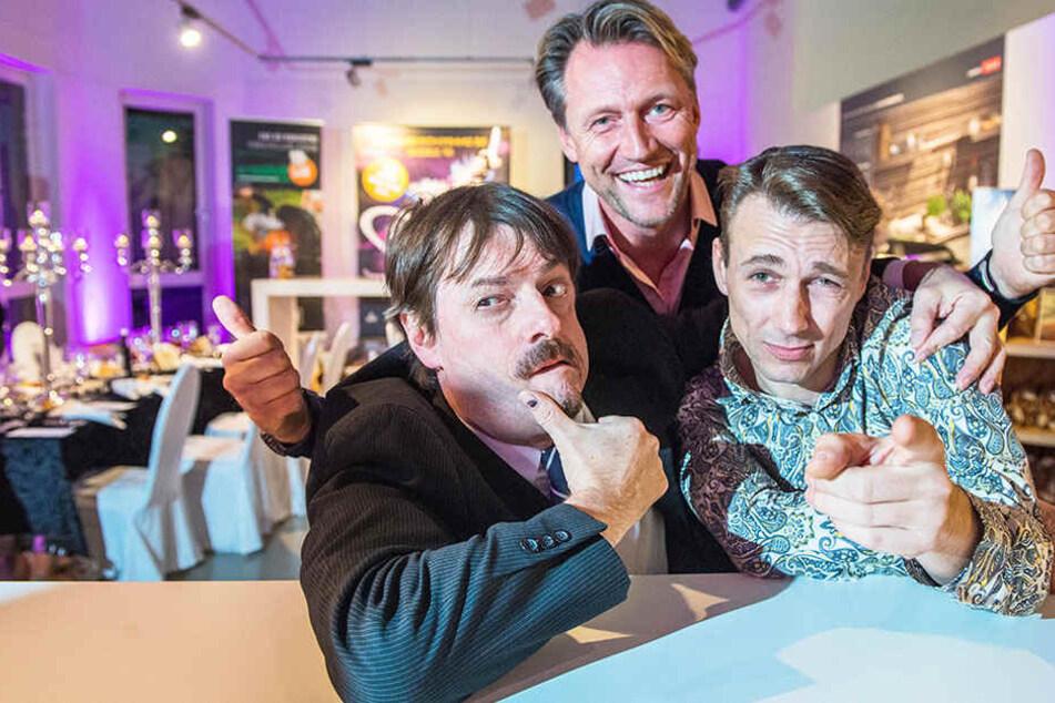 """Der künstlerische Leiter Guido Gentzel (42, l.), Veranstalter Mirco Meinel (45) und der französische Künstler Fabien Kachev fiebern der Premiere von """"Moments 2"""" entgegen."""