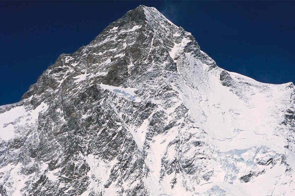 Den legendären K2 (8611 Meter) im Himalaya wollte Arnold 1991 mit sechs Mitstreitern besteigen - als erster Deutscher überhaupt. Der Versuch scheiterte.