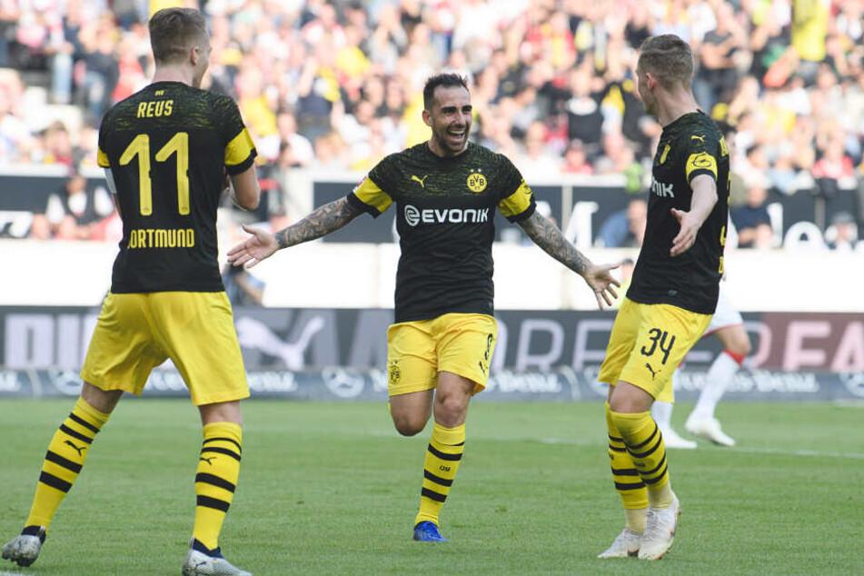 Bilder aus entspannteren BVB-Tagen. Marco Reus, Paco Alcacer und Jacob Bruun Larsen im Oktober 2018 bei einem Treffer gegen den VfB Stuttgart.