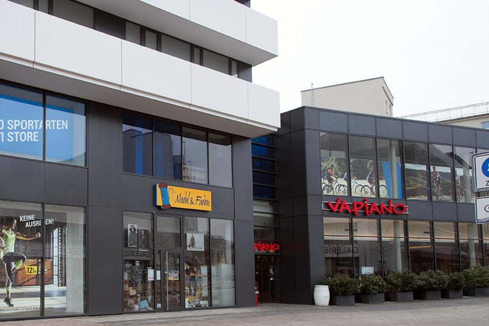 """Im """"Vapiano"""" am Johannisplatz tranken die mutmaßlichen Täter erst ein Bier, bevor sie einen Mitarbeiter beklauten."""