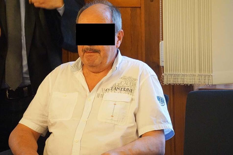 Psychologe Andreas S. (61) wurde am Dienstag wegen zehnfacher Urkundenfälschung  verurteilt.