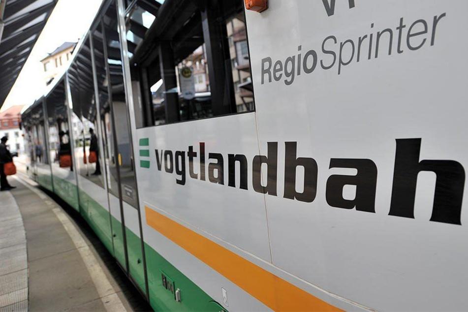 Der 15-jährige Afghane war mit der Vogtlandbahn unterwegs, als der brutale Angriff passierte.