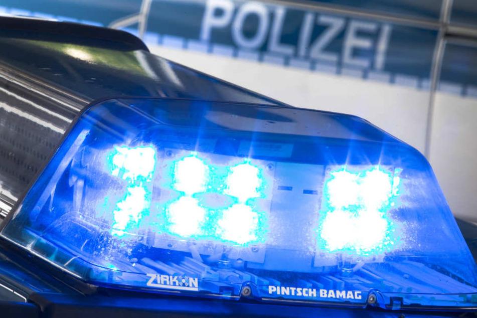 Gleich zweimal musste die Polizei in den Ostpreußenweg ausrücken. (Symbolbild)