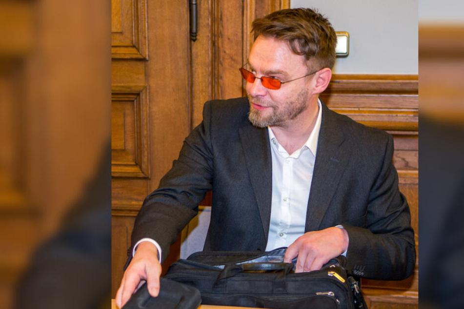 """Gerichtspsychiater Dr. Frank Wendt (52) sieht in dem der Todesschüsse bezichtigten Hells Angel Stefan S. einen """"vorsichtigen, sozial ungeschickten Menschen""""."""