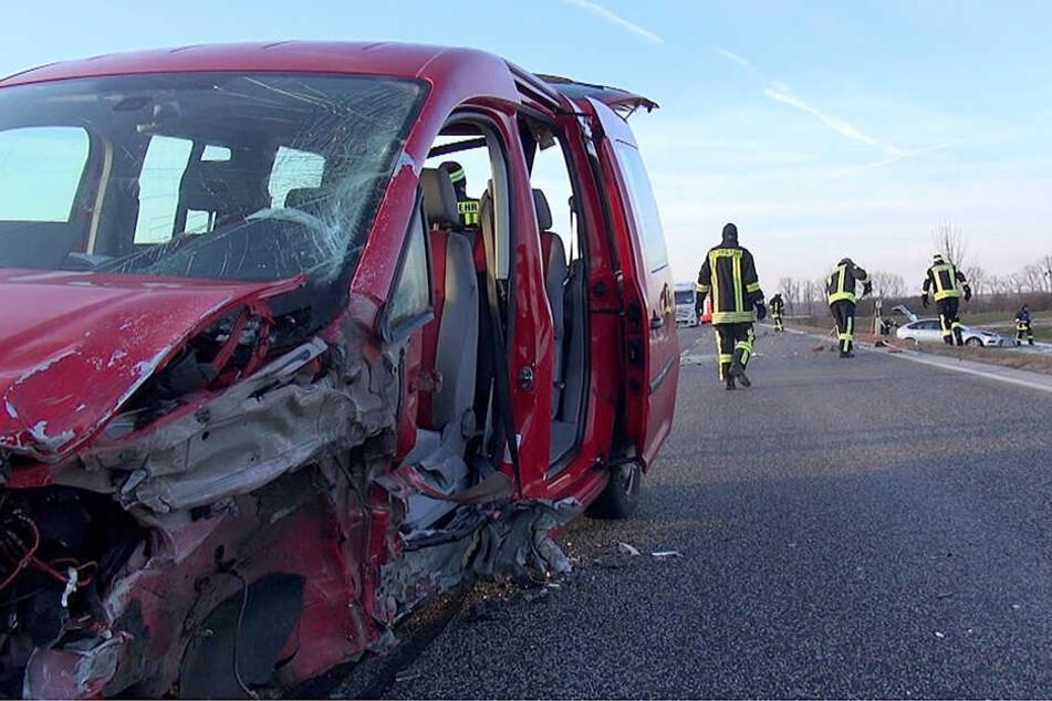 An beiden Fahrzeugen entstand ein Totalschaden.