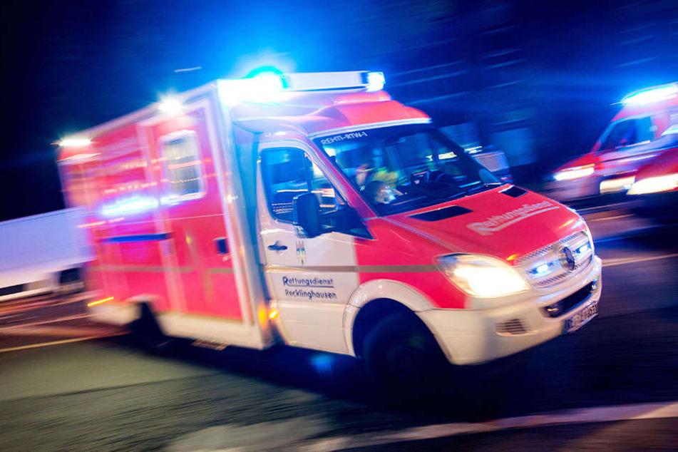 Ein Krankenwagen musste die Schwerverletzte ins Krankenhaus bringen.