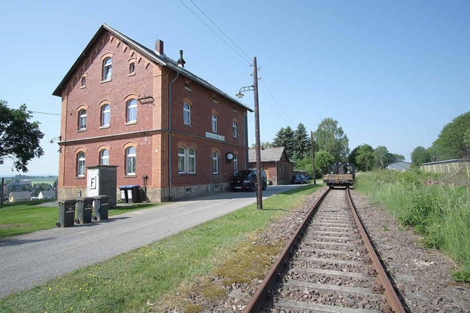 Viadukt am Forsthaus Grüna: Seit Jahren rottete die Bahntrasse vor sich hin, jetzt wird sie Radweg.