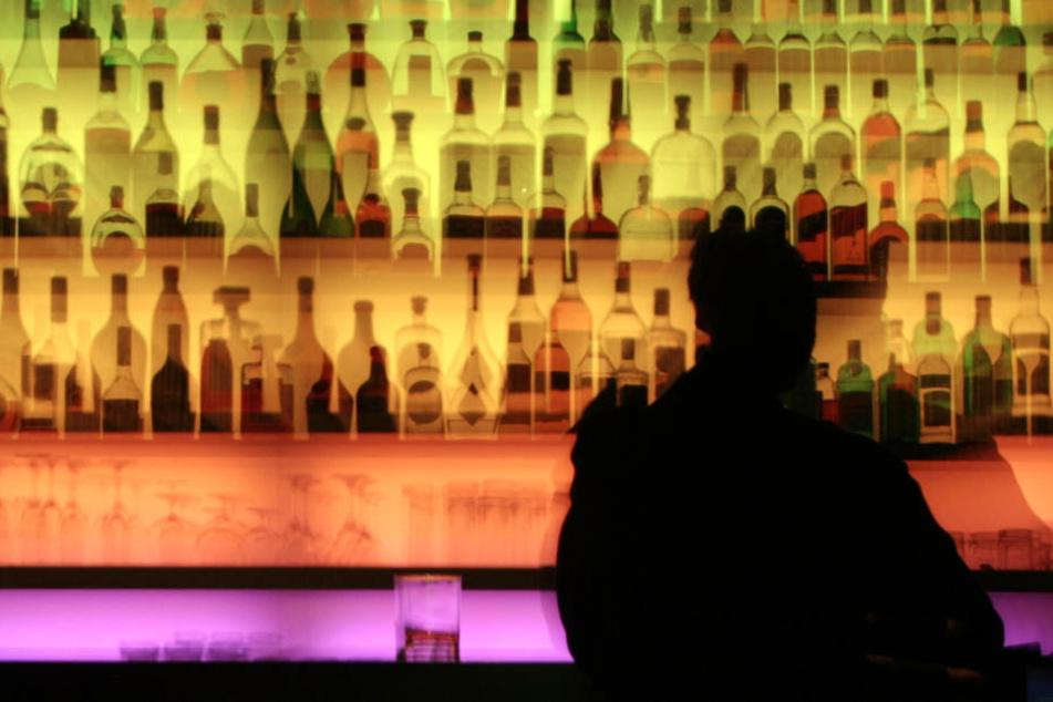 In Tübinger Bars und Kneipen soll ein Code mehr Sicherheit bringen. (Symbolbild)