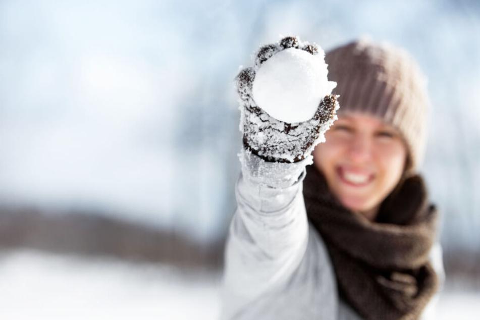 Schneeballschlachten verboten: Erste Städte regeln es gesetzlich!