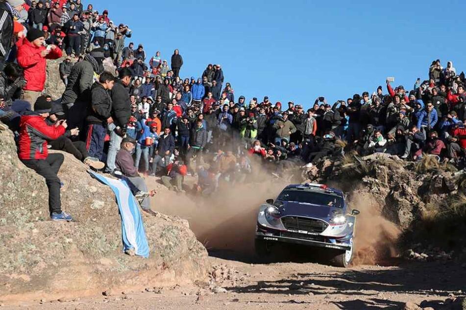 Bei einer Rallye hatte der Fahrer die Kontrolle über sein Auto verloren und war in die Zuschauer gerast (Symbolbild).